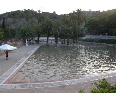 El parc de la creueta del coll a barcelona for Piscina creueta del coll