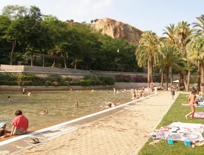 El parc de la creueta del coll a barcelona sortir amb nens for Piscina creueta del coll