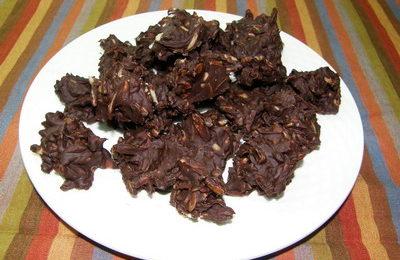 virutas de chocolate y almendras