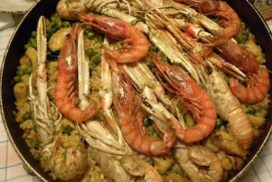 paella casera de pescado