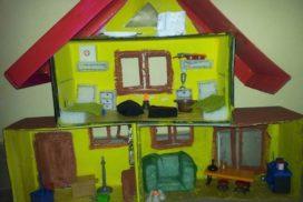 hacemos una casa para los playmobil