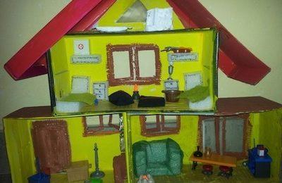 fem una casa pels playmobil