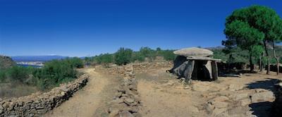 dolmenes y menhires
