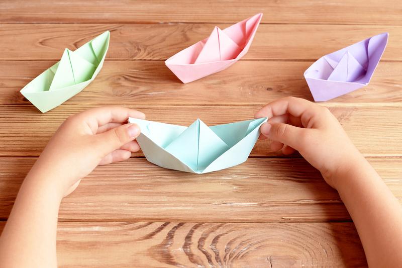 Cómo SE HACE un barco de papel