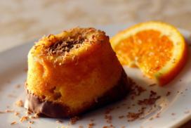 pastelillo de naranja y chocolate