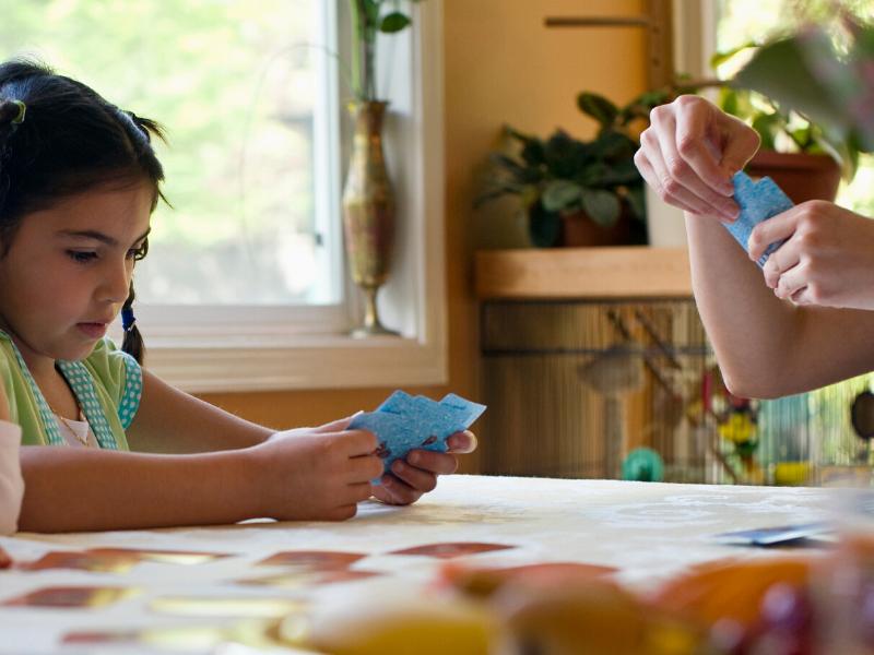 Juegos de cartas tradicionales para jugar en familia