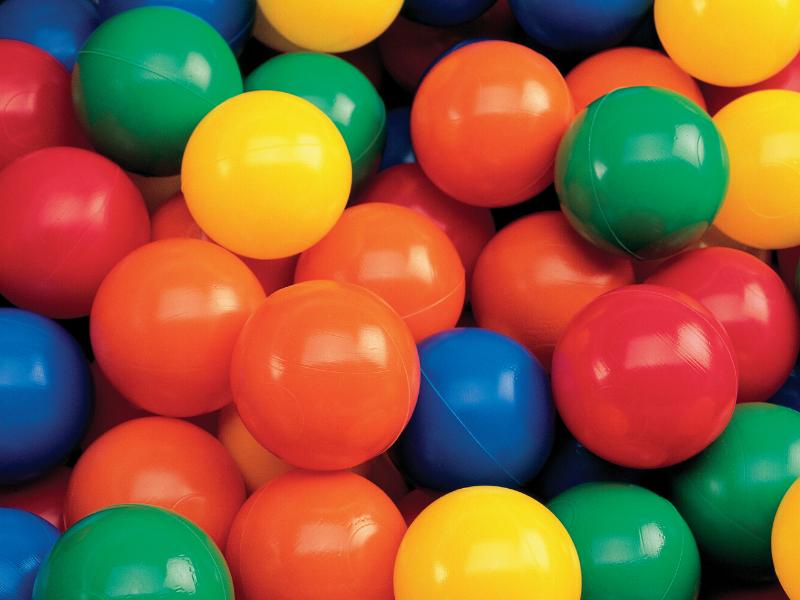 jocs per fer amb pilotes de plàstic