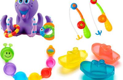 jugar en la bañera con bebés