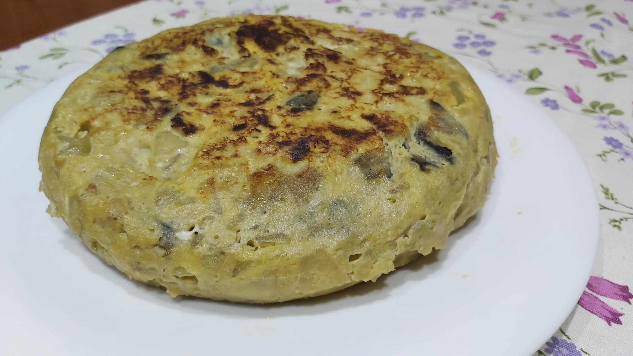 tortilla de patatas con cebolla y berenjena